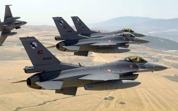 В Госдепе жестко отреагировали на авиаудары Турции по курдам