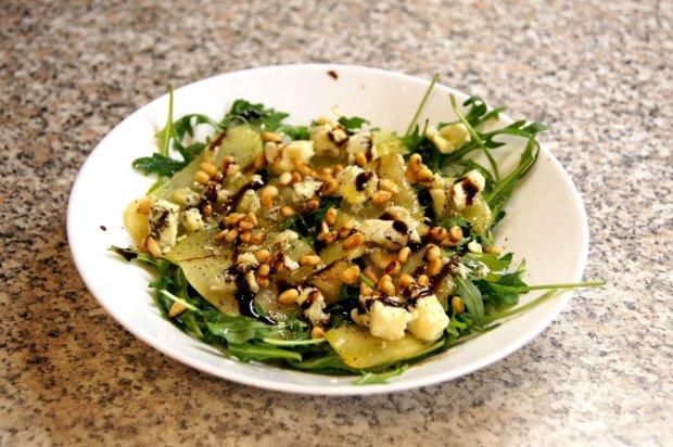Рецепт ситного салату з телятини з кускусом і кедровими горішками