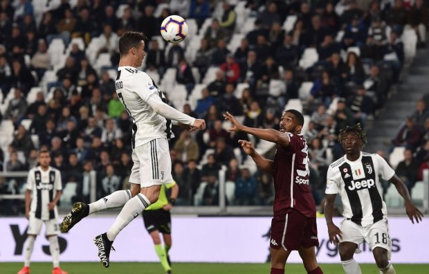 Жінки шаленіють: Роналду забив гол тим самим місцем