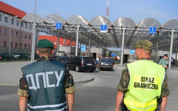 Польша усложняет работу границы с Украиной