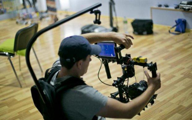 Вуха в'януть: озвучка фільмів для дорослих зірвала ефір
