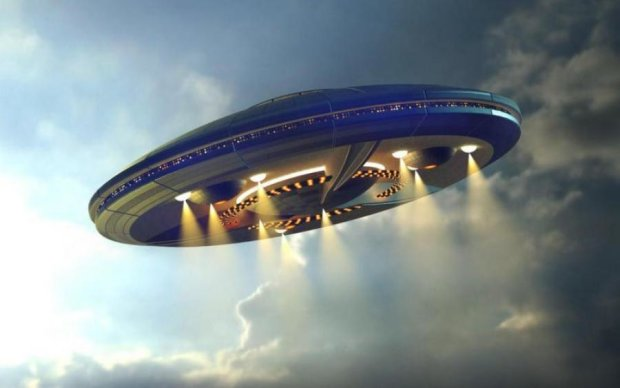 Камери МКС зафільмували загадковий НЛО