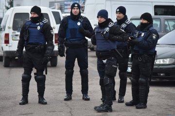 У Києві копи разом із Зеленським штурмували офіс: як це було