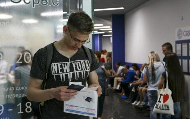 США зроблять жорсткішими правила в'їзду до країни