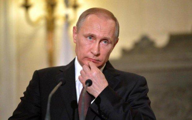 """Стрічка прокльонів: мережа вибухнула """"привітаннями"""" Путіна"""