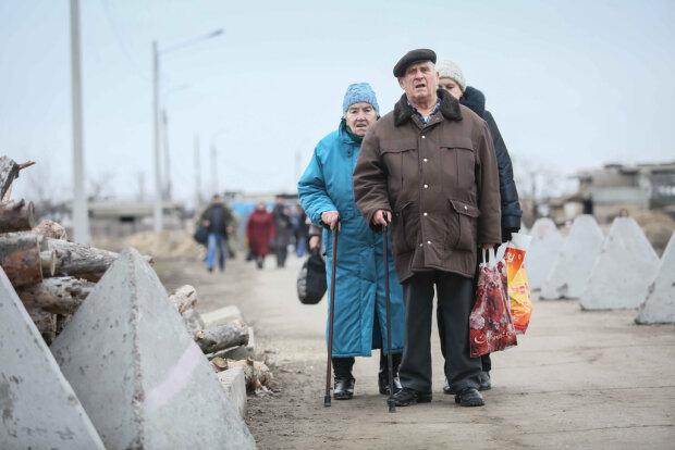 Пенсионер, фото - KyivPost