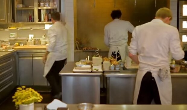 Кухарі, скріншот: YouTube