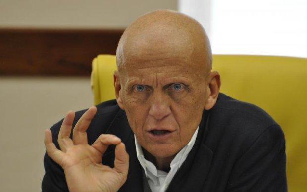 Відомий екс-арбітр припинив співпрацю з українськими суддями