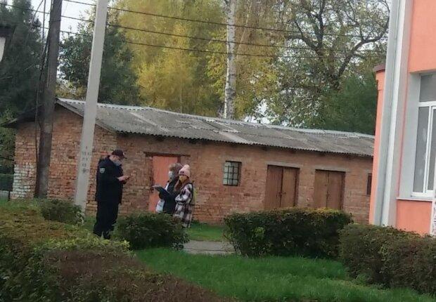 На Хмельниччині опитування Зеленського проводила 11-річна дівчинка, фото ХМ-інсайд