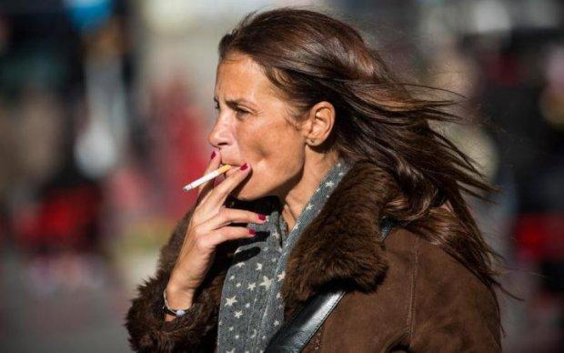 """Вчені спростували міфи про """"легкі"""" цигарки"""