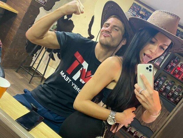 Денис Берінчик з дружиною, фото Instagram