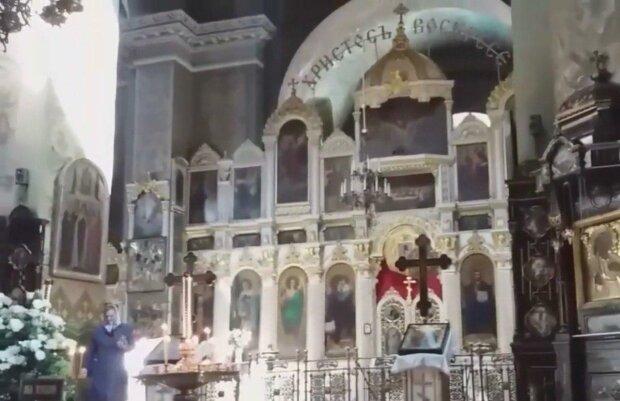"""Под Днепром попов подловили на лютой обдираловке прихожан: """"Со своим нельзя"""""""