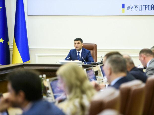 У Зеленського роздали портфелі міністрів, новий Кабмін готовий до роботи: головні кандидати
