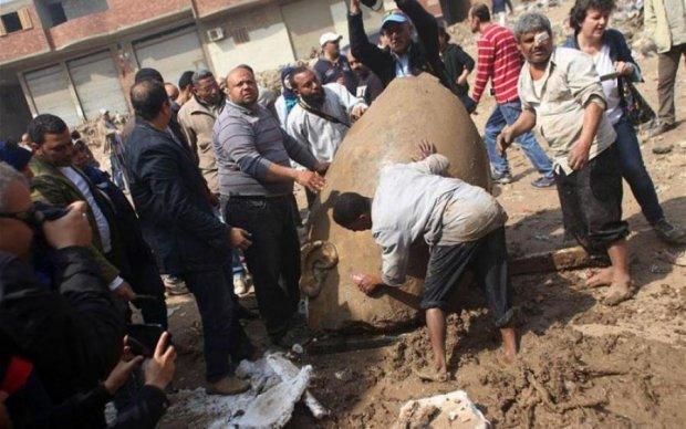 Охотники за сокровищами откопали уникальную статую фараона