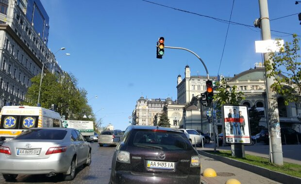 """Киев застынет в пробках, берегите бензин и нервы: каким улицам лучше сказать """"нет"""""""