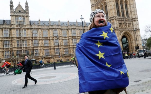 Немецкие банкиры напугали Британию судьбой Туниса