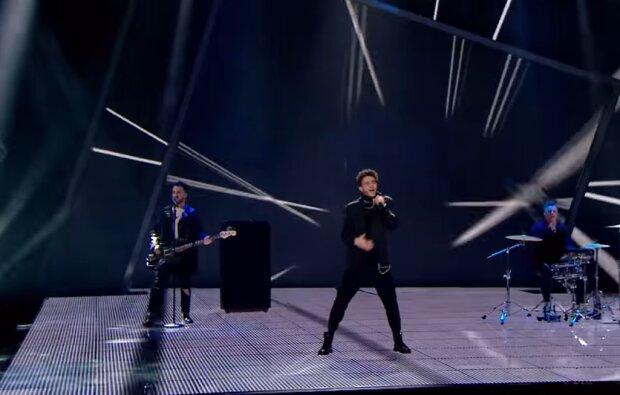 Cloudless, скріншот з відео