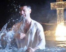 Купання в ополонці на Хрещення Господнє