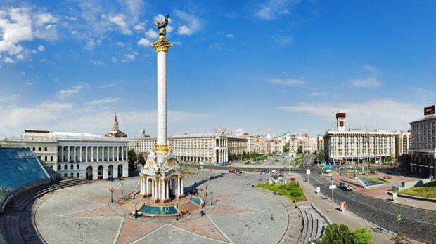"""На Майдані в переході зазвучали російські пісні, українці показали нових """"артистів"""": """"Зелене волосся і штани для фітнесу"""""""