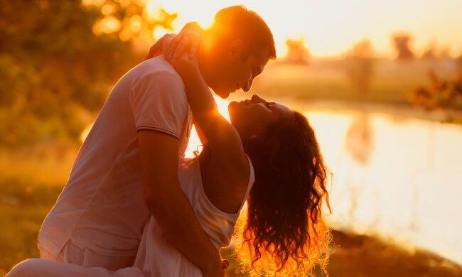 Гороскоп кохання на вересень для всіх знаків Зодіаку