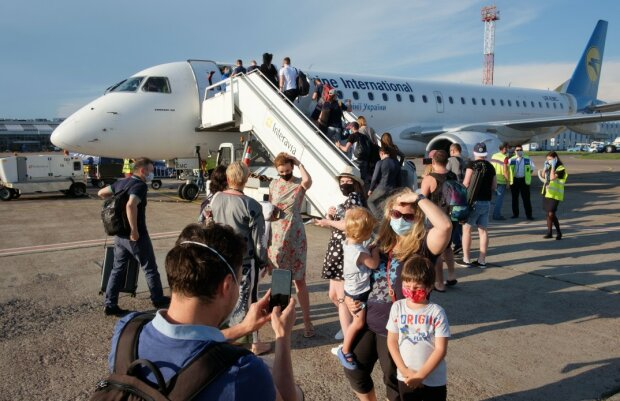 В Украине за сутки 889 новых случаев Covid-19, 12 умерших