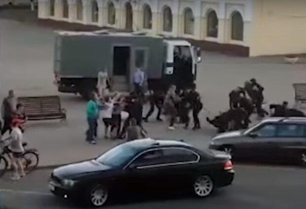 Протесты в Беларуси, скриншот видео