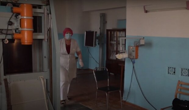 """Коронавирус оборвал жизнь медсестры Нинель, которая полжизни """"фотографировала"""" больных: """"Зубы, руки, а больше всего было легких"""""""