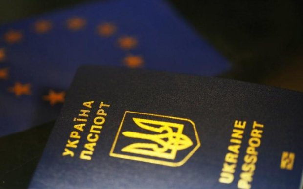 Совет ЕС одобрил безвиз Украине