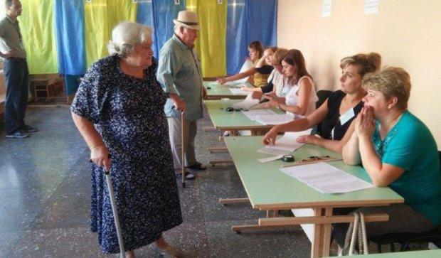 Вибори у Чернігові: екзит-поли оприлюднили різні дані голосування