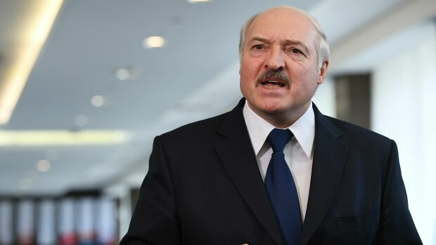 Лукашенко заявив про закриття кордону з Україною: ″Зупиніть своїх божевільних″