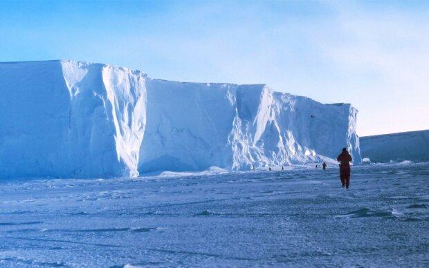Найстаріший льодовик світу зберігає в собі десятки невідомих бацил: вчені панікують