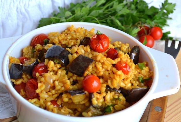 Интересный рецепт: перловка с фетой, томатами и укропом