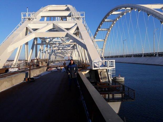 Небезпечний недолік Кримського моста показали на фото