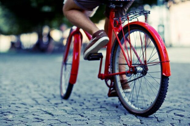 Фігурне катання на велосипеді: франківські школярі винайшли ексклюзивний вид спорту, відео
