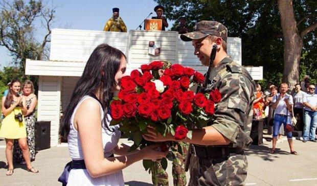 Кохання, яке непідвладне війні (фото)