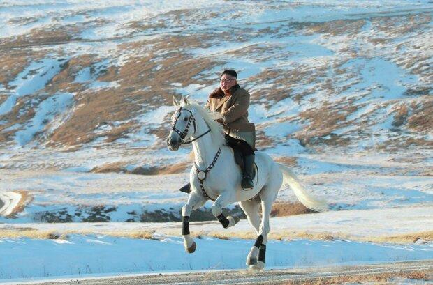 Кім Чен Ин видерся на священну гору на білому коні