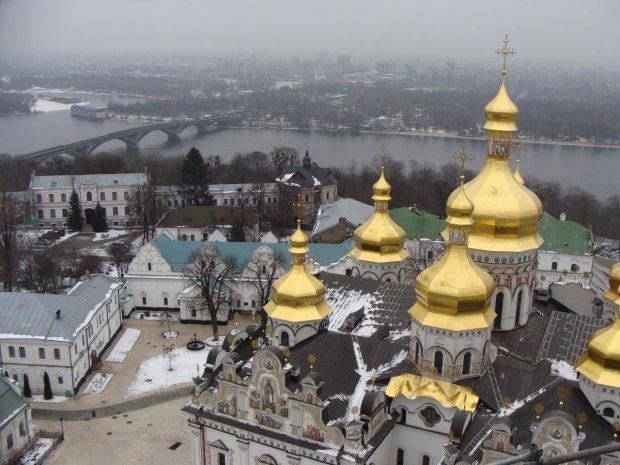 Грабеж Киево-Печерской Лавры показали в цифрах