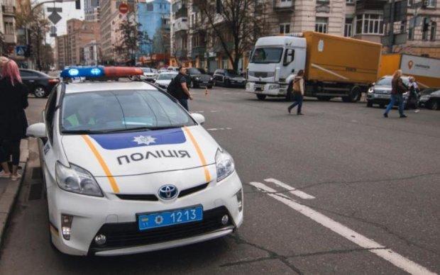 Обыкновенный герой: под Киевом мужчина спас беременную из огненного ада