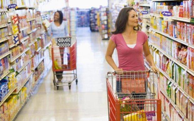 Тотальное обнищание: элементарные продукты стали роскошью для украинцев