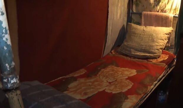 В'язничні нари, кадр з відео