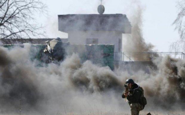 На Донбасі підпалили житловий будинок: фото