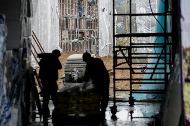 """Російські рублі """"з душком"""": українець на кордоні заховав все цінне у несподіваному місці"""