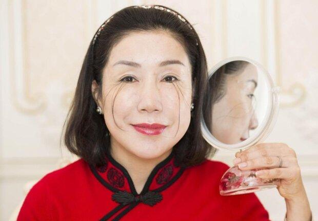 """Китаянка """"прорізала"""" Книгу рекордів Гіннесса велетенськими віями, дівчатка - вчіться: неймовірні кадри"""