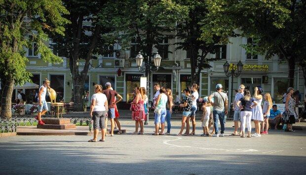 """Наживутся на бездомных? У Труханова придумали хитрую схему, все """"шишки"""" - на одесситов"""