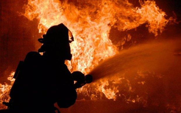 Паника и отчаяние: харьковский ТЦ охватил огонь, люди задыхались