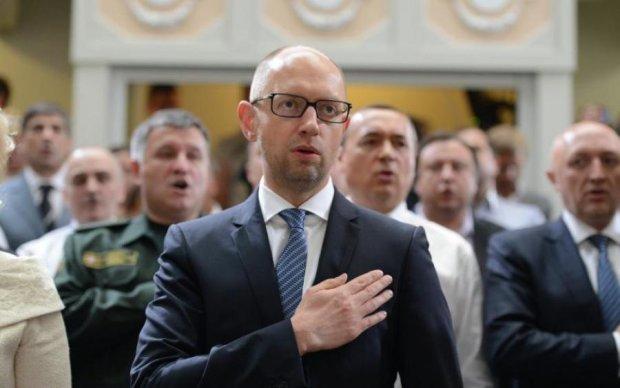Всю суть украинской политики показали на примере Яценюка: видео
