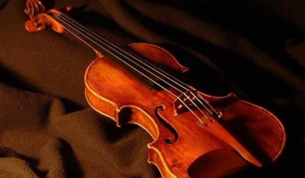 Американка забыла в поезде скрипку Страдивари