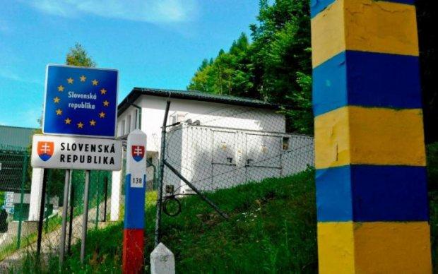 """Украинцы наладили прибыльный """"стартап"""" на границе"""