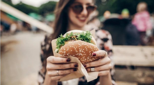 Бургер раздора: женщина подала на развод из-за фастфуда