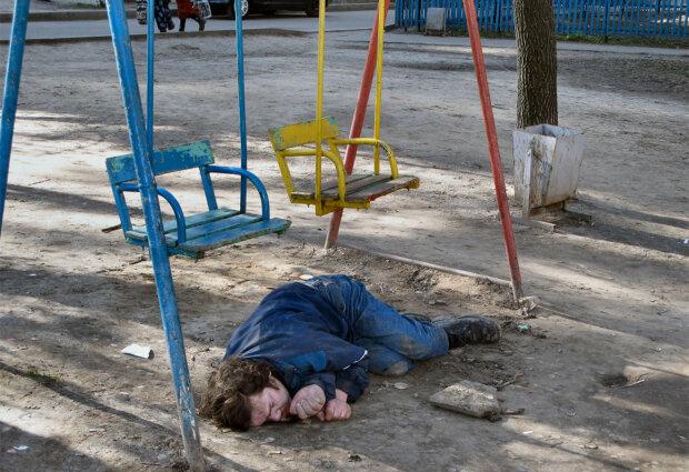 Великая и могучая: в России каждый третий умирает от алкоголизма, медики разрешили пить через день